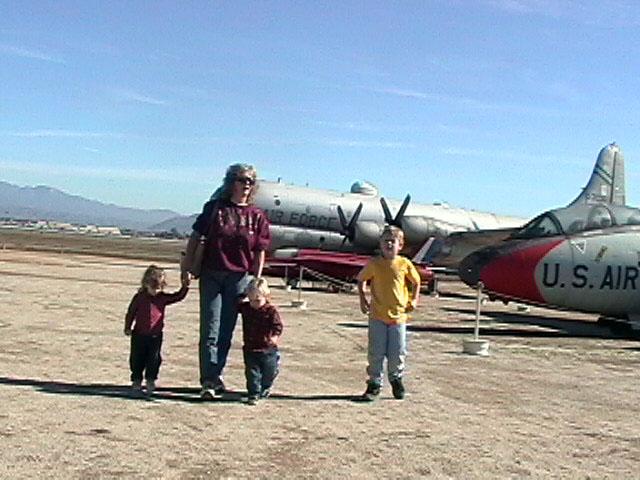 familyairport2.jpg